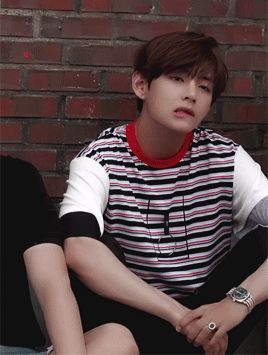 TAEHYUNG. DON'T BITE YOUR LIP.