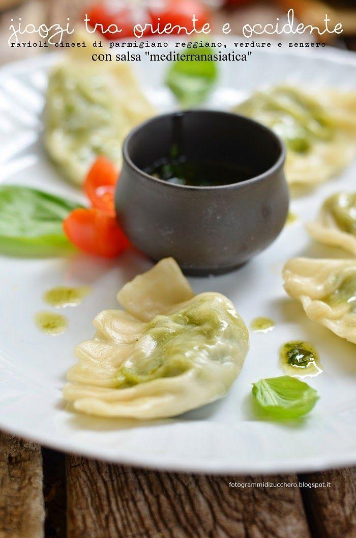 """FOTOGRAMMI DI ZUCCHERO: ravioli cinesi di Parmigiano Reggiano, verdure e zenzero con salsa """"mediterranasiatica"""""""