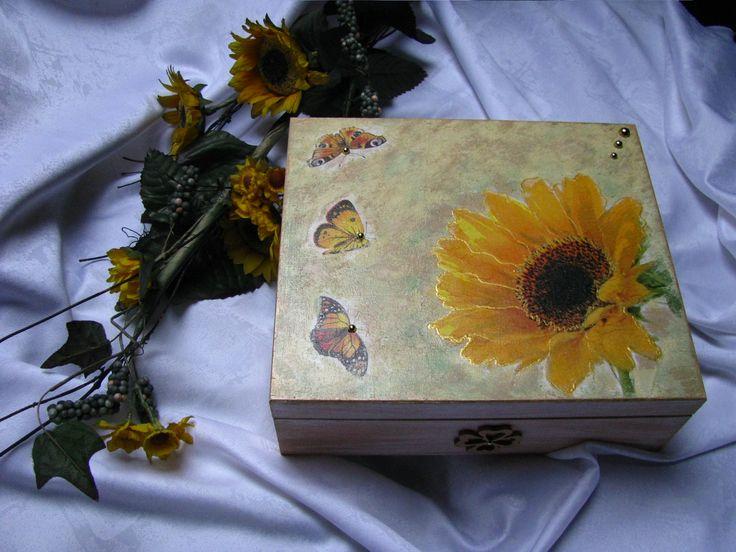 Slunečnice s motýlky