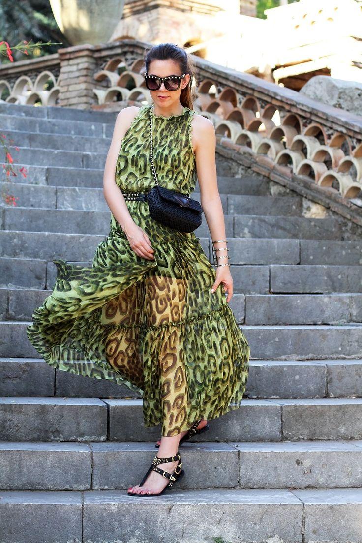 #fashion #fashionista Irene vestito trasparente | vestito lungo | abito lungo | occhiali da sole con borchie | occhiali da sole