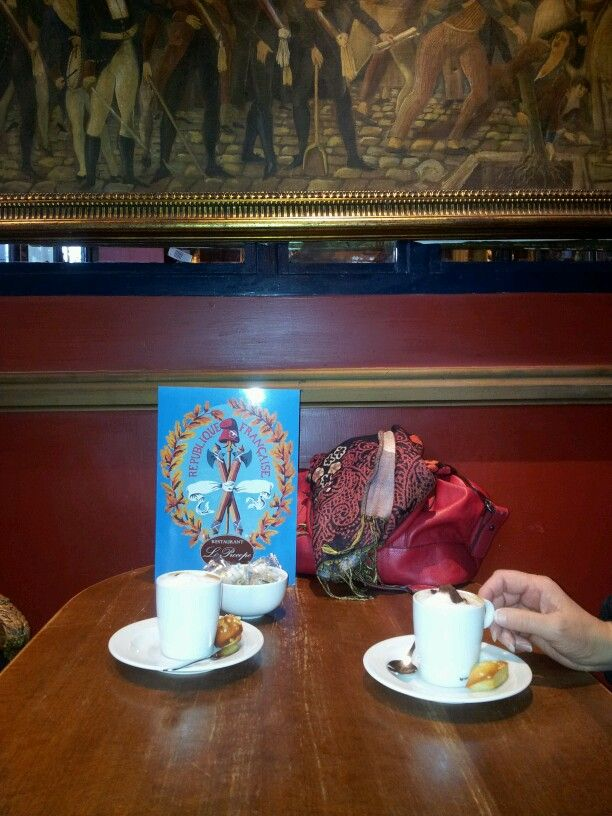 Le cappuccino revolutionnaire au Procope. Paris