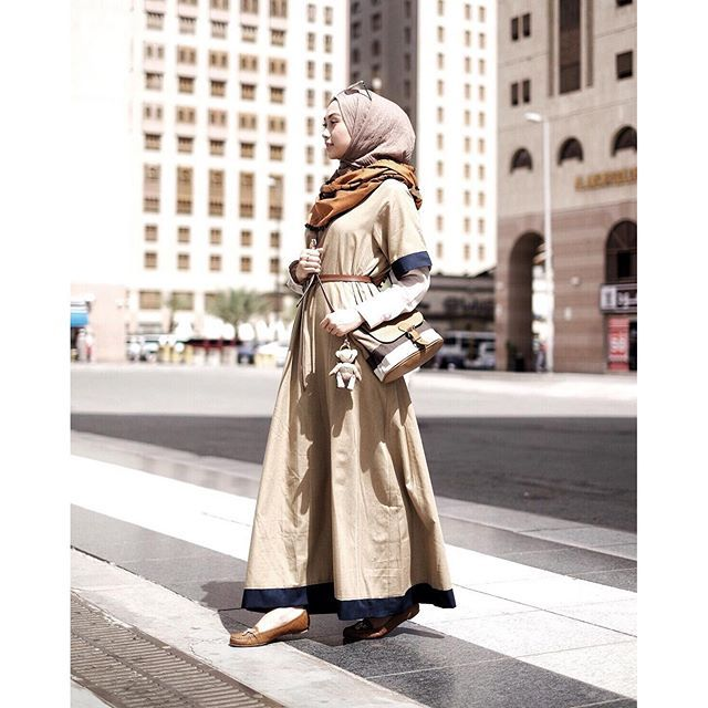 Pairing an abaya with a shirt. Outfit by @hijup steal my style! More collection on the website www.hijup.com #IndahNadaPuspitaXHijUp #myHijUp .•Get voucher 50K everytime you shop at www.hijup.com for minimum purchase 250K with my code : HIJUPXINP5 va...