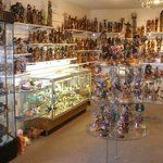 Sedona shopping guide (shown is Kachina House)
