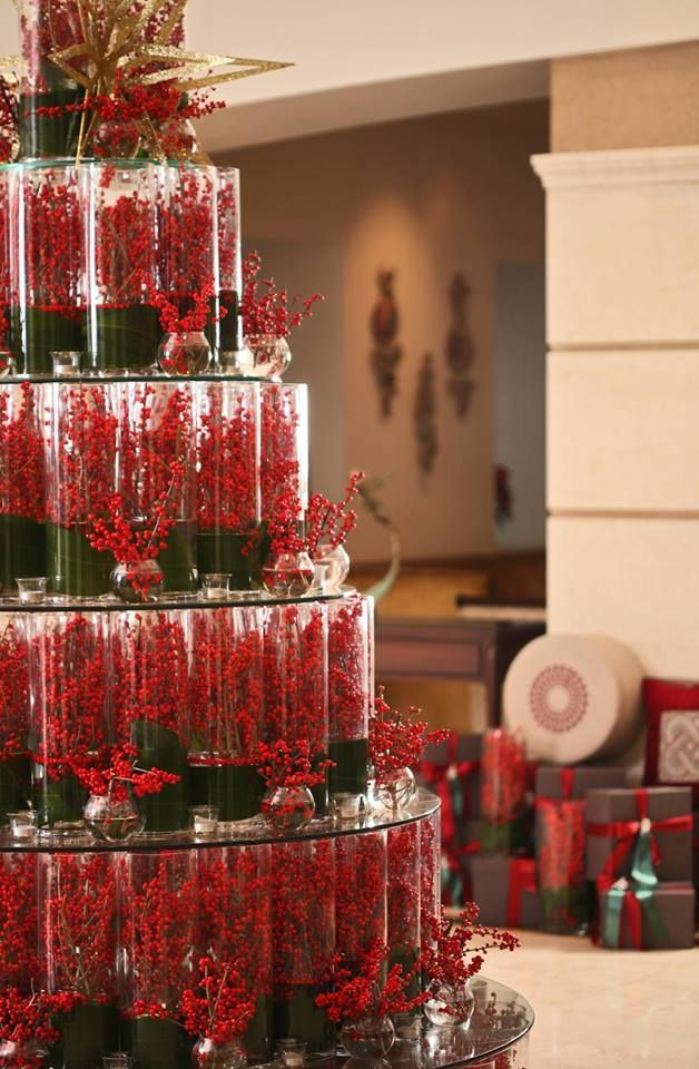 Bright berries bring chic colour to @Mandy Dewey Seasons Hotel Istanbul at the Bosphorus' lobby.