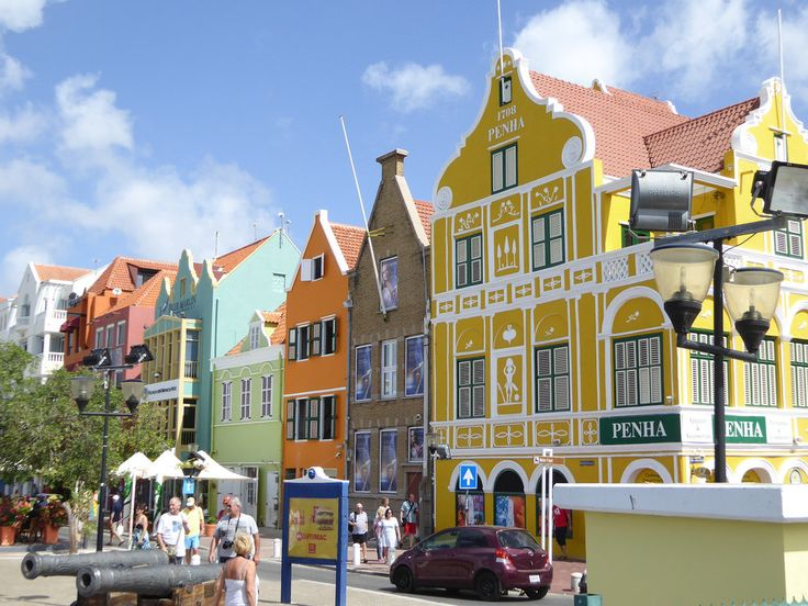 Downtown Willemstad, Curacao, Caribbean | by Roatan Roy
