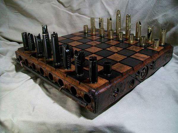 Tabuleiro de xadrez feito com capsulas de munição                              …