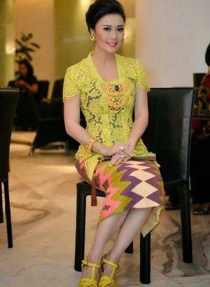 Model Kebaya Modern Simpel dan Elegan