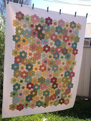 106 best Hexagon quilt images on Pinterest | Carpets, Desserts and ... : hexagon quilt kit - Adamdwight.com