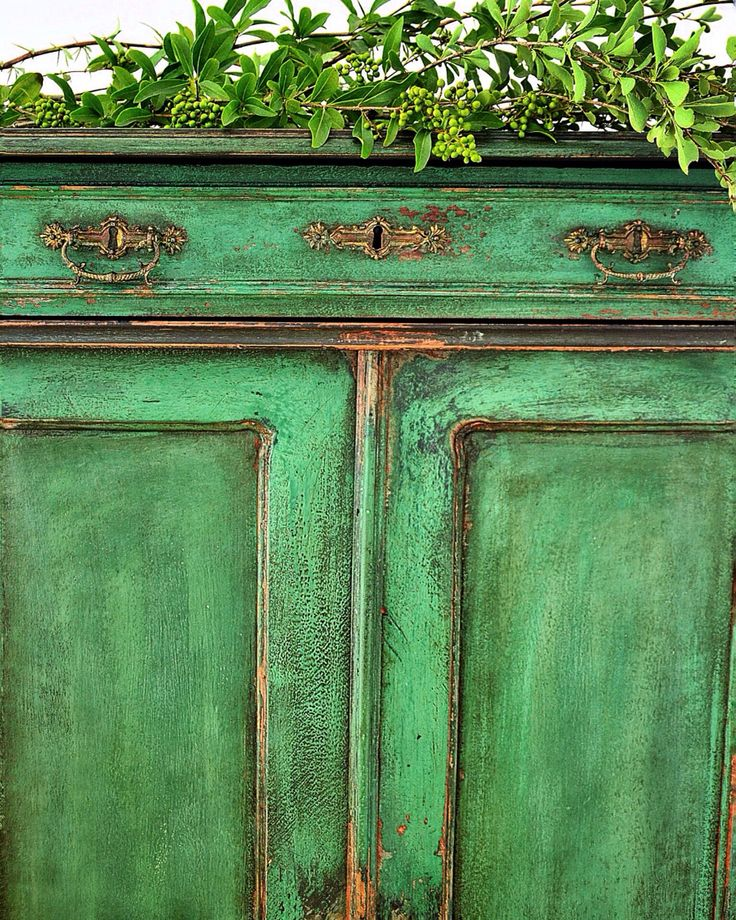 1000 images about painted up on pinterest annie sloan - How to mix emerald green paint ...
