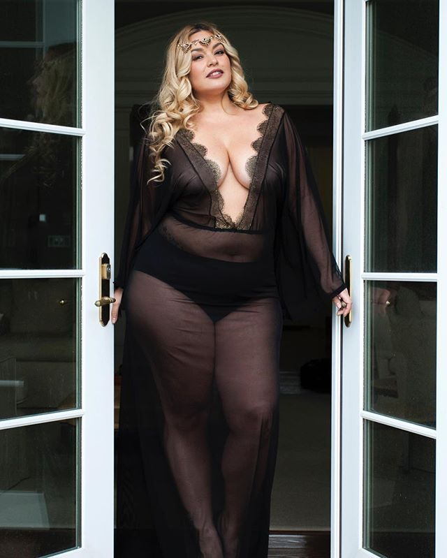 """Purchase the """"Athena"""" at @lashesnlace now (LINK IN BIO)!!! Wear it as Lingerie or even a Bathing suit coverup. HOW RIDICULOUSLY AMAZING IS IT? I didn't wanna take it off!  #OOTD #lauraleeplus #manikmodel #honormycurves #goldenconfidence #celebratemysize #lifethrowscurves #effyourbeautystandards #bodypositive #aboutthatcurvylife #allthingsfiery_atf #allthingsfiery #flyfashiondoll #ffpfashionista #curvy #getem  Lingerie • @lashesnlace  Photographer • @thenikkigomez  HMUA • @rebeccalballister"""