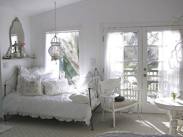 White: Cottages Style, Master Bedrooms, Dreamy Bedrooms, Shabby Bedrooms, Guest Rooms, Shabby Chic Bedrooms, Bedrooms Ideas, Shabby Cottages, Vintage Style