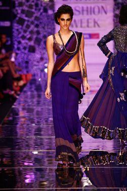 Love this bridesmaids' sari :: Got me inspired!