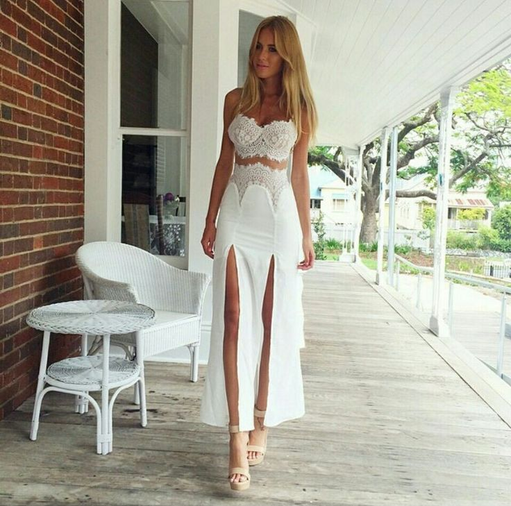 The latest version of women's clothing High fork white lace two-piece outfit