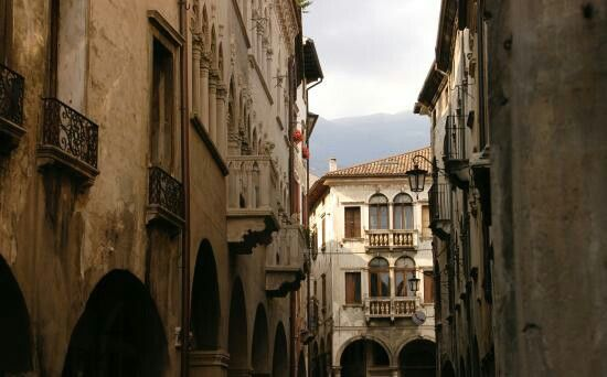 Vecchi palazzi, Via Martiri della Liberta, Vittorio Veneto, Tv, Veneto
