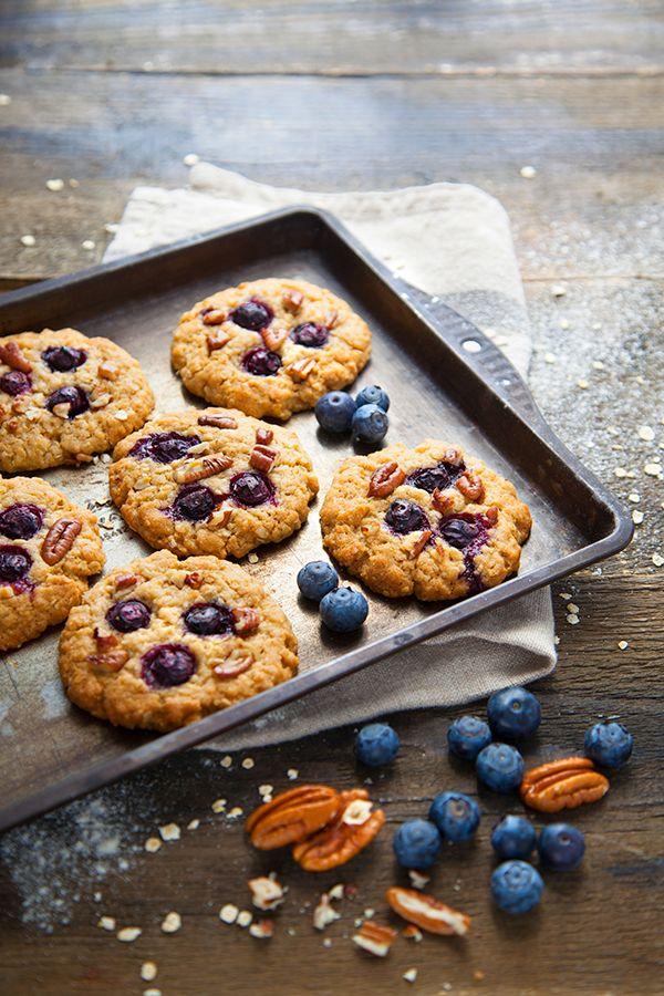 Cookies aux Myrtilles, Noix de Pécan et Sirop d'Érable - 100 % Végétal {hyper appétissant ❤ 1 délice pour les yeux & les papilles - idéal pour le petit déjeuner} #végétal #vegan #sucré