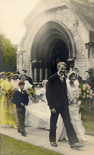 Blow up photos of grandparents 1920s weddings for recpetion hall