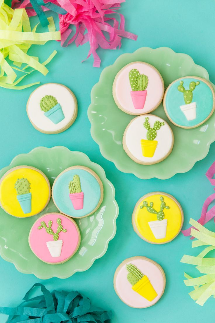 cute-cactus-sugar-cookies