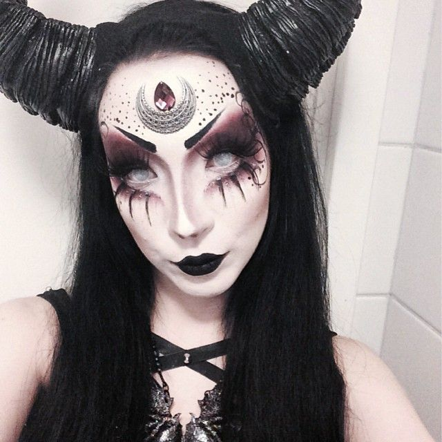 25+ Best Ideas About Demon Makeup On Pinterest | Demon Costume Witch Costumes And Witch Makeup