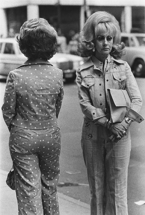 Quanto mais alto, melhor: O uso do laquê nos cabelos nos anos 60