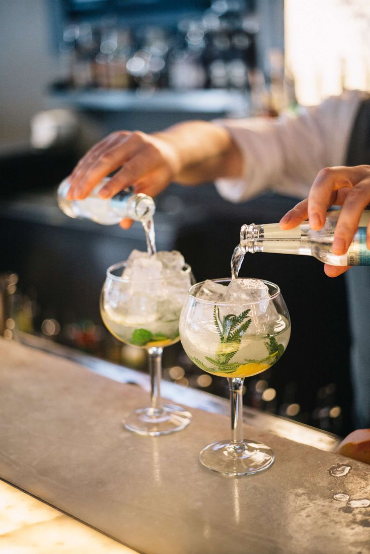 The Taste SF at Sable Kitchen and bar Spanish-style gin and tonic in Chicago adding fever tree tonic water