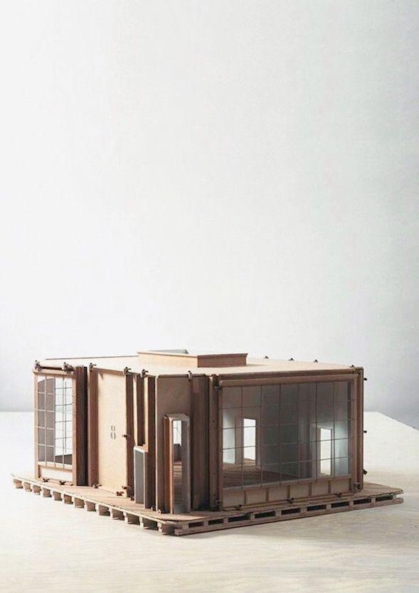 Philippe de Gobert Studio 8 model 30x60x60 cm