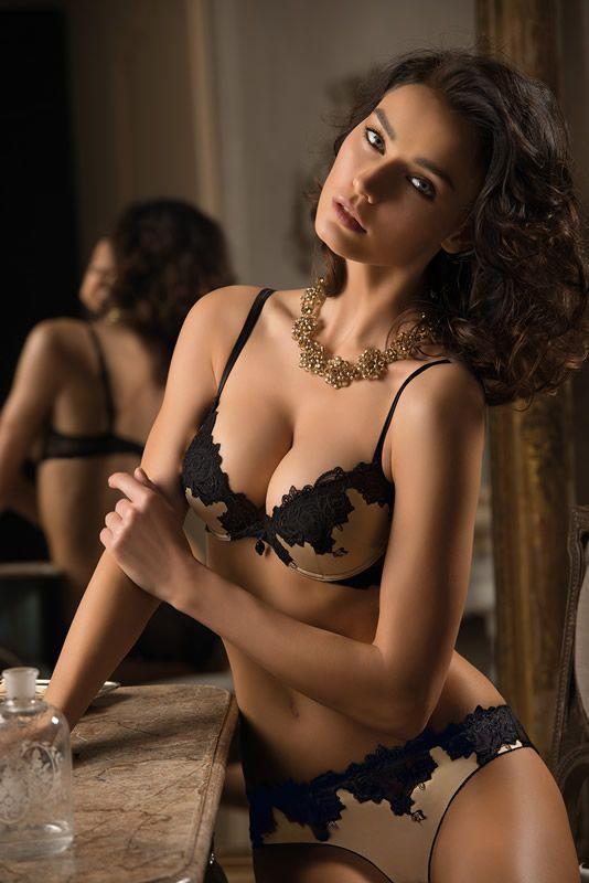 les 20 meilleures images du tableau i luv lingerie sur pinterest lingerie de luxe lingerie. Black Bedroom Furniture Sets. Home Design Ideas