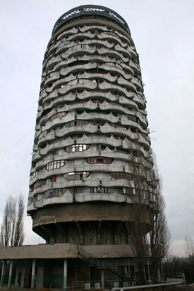 """The """"Romanita"""" Collective Housing Tower Building (Chisinau) http://socialistmodernism.com/the-romanita-collective-housing-tower-building/"""