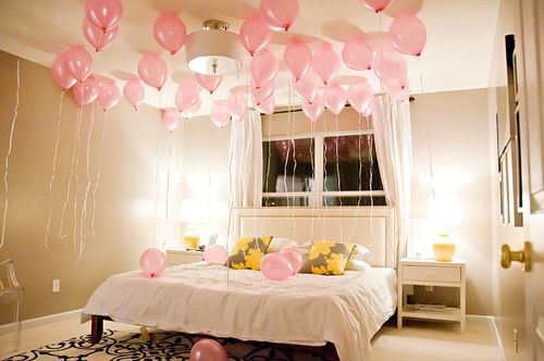 148 best images about good ideas for a surprise party on pinterest wake up clear balloons - Bedroom decorating with balloons ...