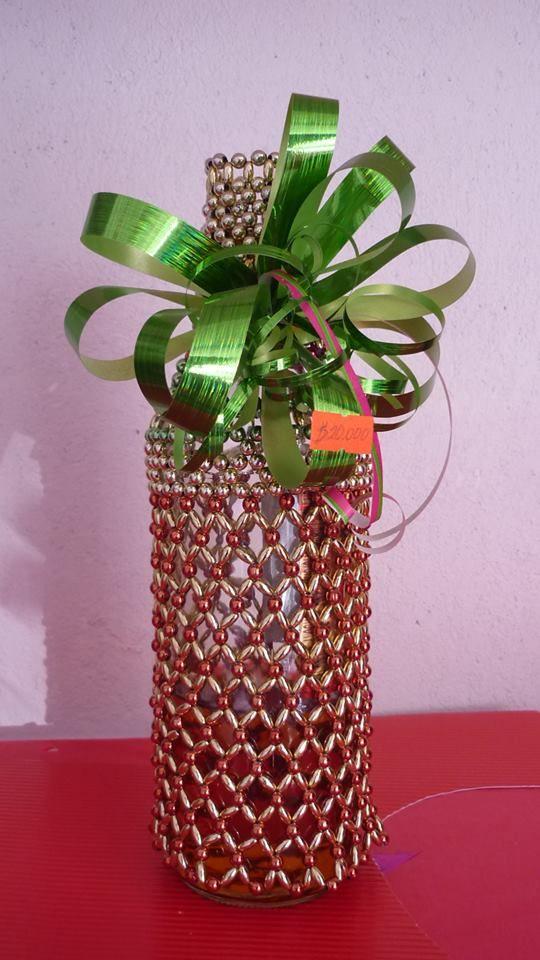 Decoracion navide a forro botella de vino en perlas - Decoracion de botellas ...