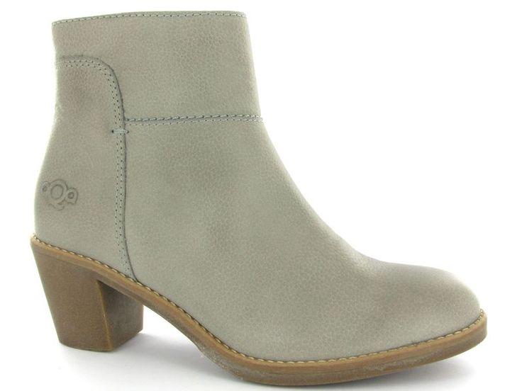 Grijze enkellaarsjes van het merk Aqa Shoes, model A4033. Nieuwe collectie! #trend #aqashoes #enkellaarsjes #schoenen