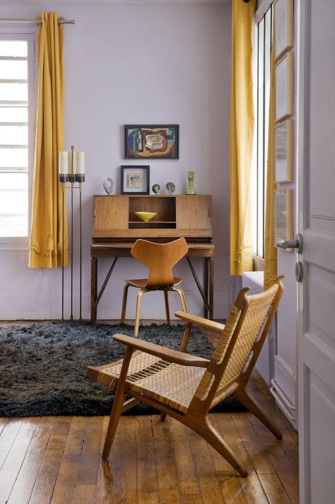 Multilevel Eclectic Style in Paris // purple bedroom