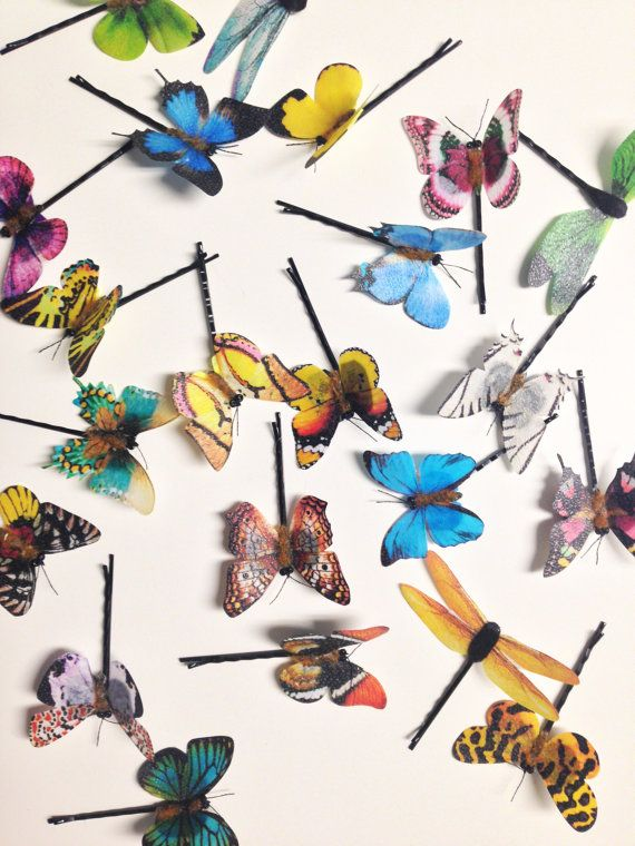 A set of butterfly or dragonfly hair pins to fill your hair styles with magic! These pins come in an assorted set of 3, 5 or 10. You can mix and match your choices of butterflies or dragonflies or just order one to adorn a simple hairstyle. These look beautiful spread throughout your hair for formal events or music festivals, or worn with just one or two for a daywear look. Resin wings on a black bobby pin base with felt backing. ************************** The Jordan de Ruiter collection ...