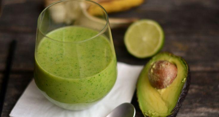 Reggeli zöld smoothie recept: Szuperegészséges reggeli ital, amit mindenképp érdemes kipróbálnotok! Zöld turmix, smoothie, ahogy tetszik! ;)