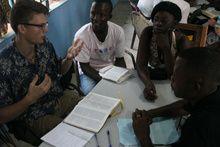 Gæstfrihed og hjertevarme har gjort de største indtryk på Joel Dam, da han var volontør i Sierra Leone