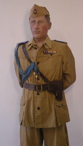 CORPO DI POLIZIA DELL'AFRICA ITALIANA. Maresciallo maggiore in uniforme cachi da campagna.