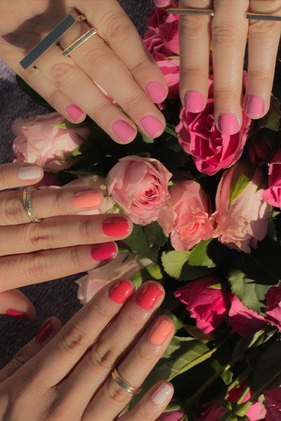ombre nails in shades of coral