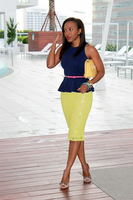 Color Inspiration: Navy Blue + Lime.Colors Combos, Outfit Ideas, Peplum Tops, Blue Dresses Pink Belts, Work Wear, Fashion Femenina, Navy Blue Pencil Skirts Outfit, Colors Inspiration, Peplum Dresses