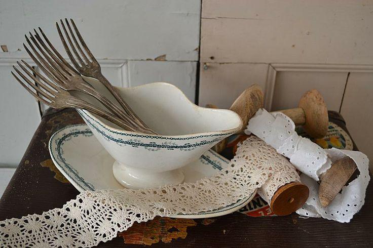 Prachtige sauskom (Beautiful sauce bowl) www.blossombrocante.nl