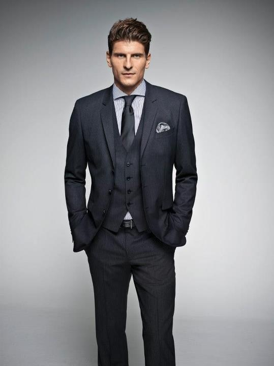 Mario Gomez in BOSS Black.
