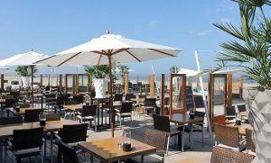 Groupon - Drankjes en hapjes aan zee voor 2 personen bij Strandclub Zwoel (vanaf € 17,50) in Hoek van Holland. Groupon-dealprijs: €17,50