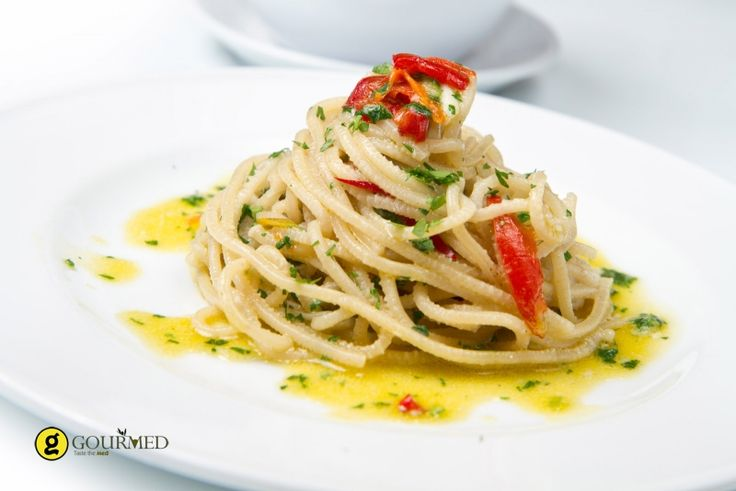 Olive and Garlic Spaghetti - gourmed.com