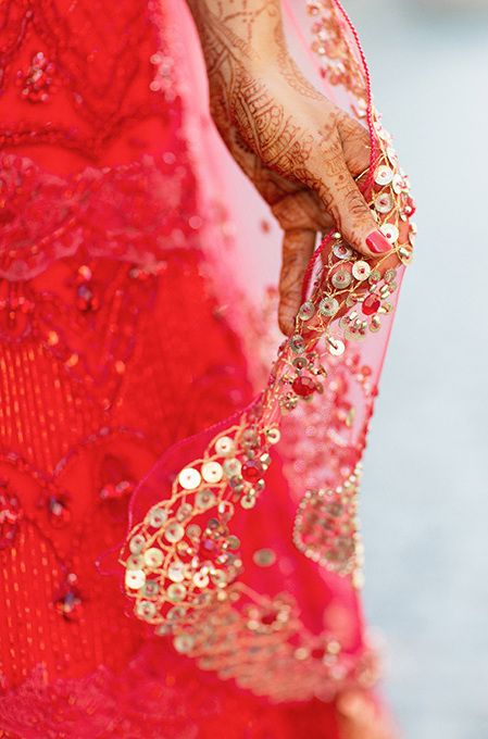 Sequin work in a bridal dupatta just stands out!