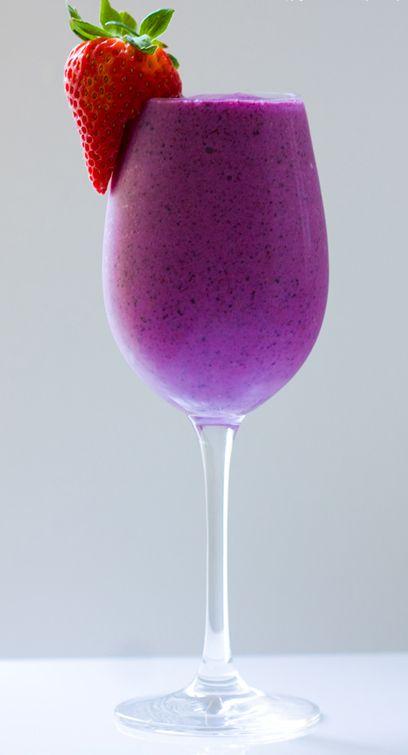 strawberry banana blueberry soy smoothie