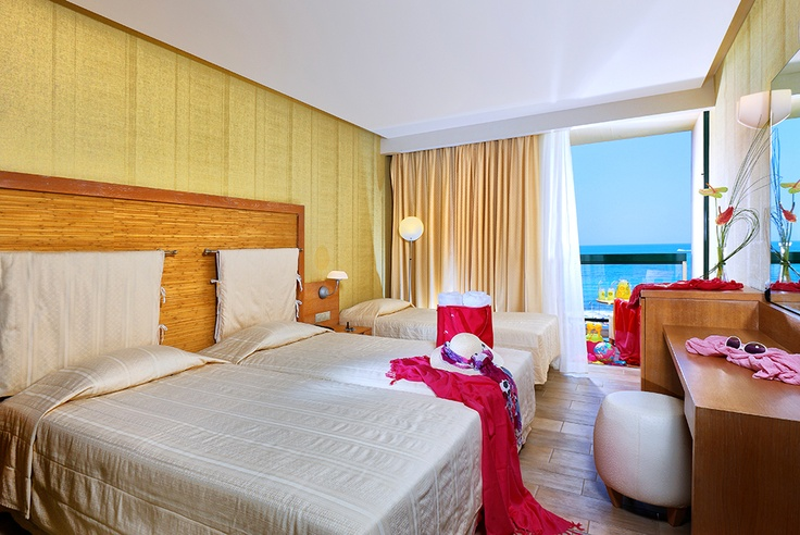 Triple rooms with sea view