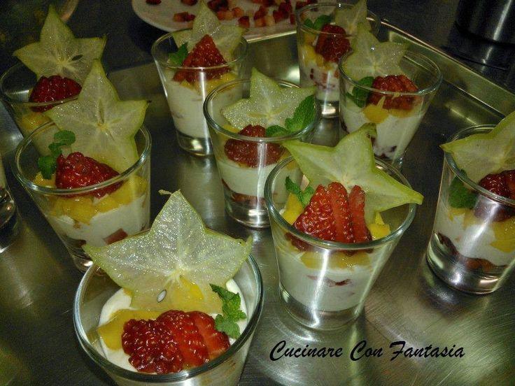 Bicchierini con spuma di mango