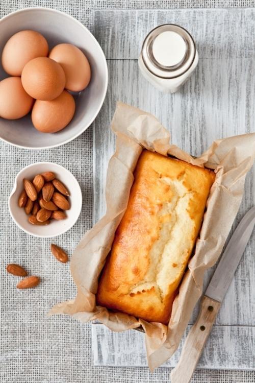 keroiam:    Recipe: Buttermilk & Frangipane Cake