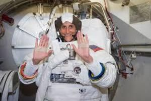 Short Essay on Sunita Williams. She was born on September 19th in the year 1965. Her father was of Indian origin and was basically from