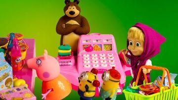 Маша и Медведь Касса играем в магазин мультик с куклами  Свинка Пеппа Миньоны на русском http://video-kid.com/9563-masha-i-medved-kassa-igraem-v-magazin-multik-s-kuklami-svinka-peppa-minony-na-russkom.html  Маша и мишка решают открыть настоящий супермаркет.Медведь стоит на кассе,а Маша привлекает покупателей.Еще видео С Машей:  в гостях у Бэби Элайв Похищение злой Королевой и МалефисентойНа моем канале Вы также можете увидеть видео со Свинкой Пеппой,Барби и феями Винкс.Music - free youtube…