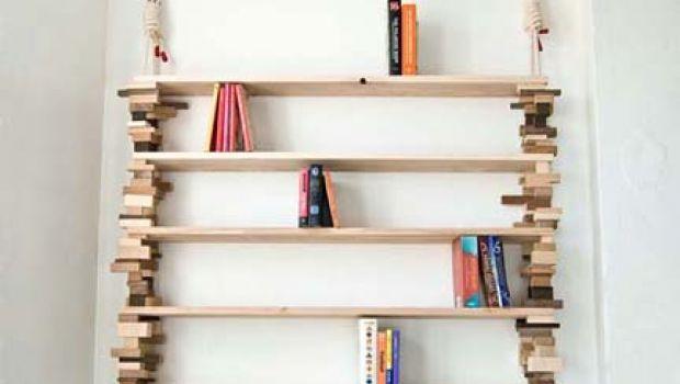 Mobili fai da te: una libreria fatta di scarti di legno