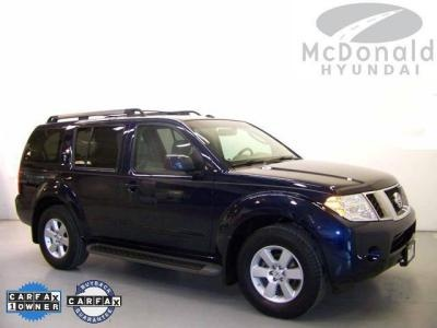 USED 2008 Nissan Pathfinder SE  Price:$19,328  exterior: Majestic Blue Metallic  engine: 4.0L V6 DOHC  transmission: Automatic  model code: 09318  stock number: HT8C661127  vin: 5N1AR18UX8C661127  mileage: 31,996  http://www.mcdonaldhyundaidenver.com/VehicleDetails/used-2008-Nissan-Pathfinder-SE-Littleton-CO/1754575393
